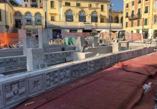 MASSIMO MEDA'S FOUNTAIN IS ASSEMBLED IN ITALY